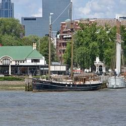 Zeilschepen in de Veerhaven.