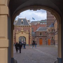 doorkijkje Binnenhof den Haag