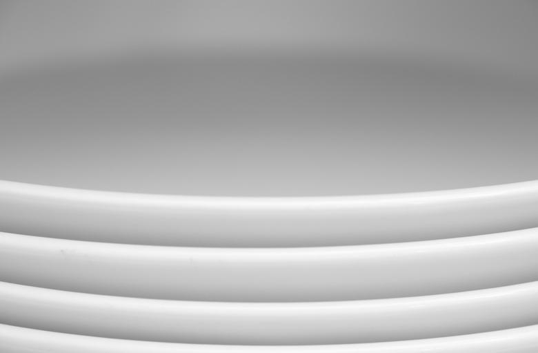 stapel witte borden -