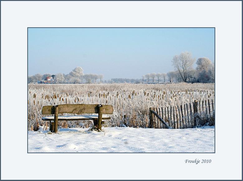 even uitrusten  - Bedankt voor de reacties op mijn vorige winterfoto ,hier nog eentje van begin januari.<br /> Het is hier nu weer wit .<br /> Groet