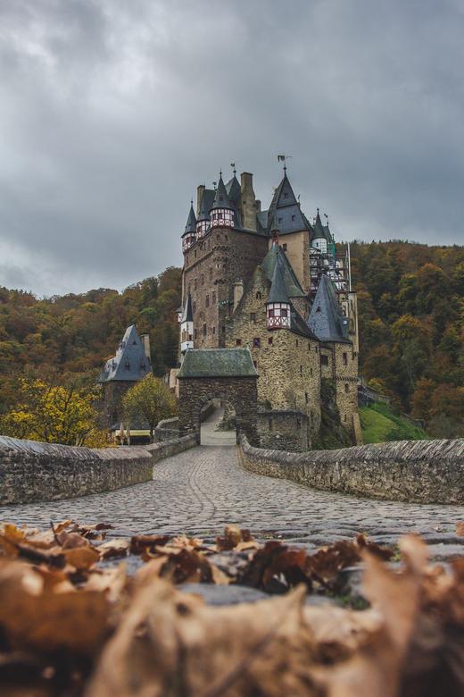 Burg Eltz, Kasteel in west Duitsland.  - 's ochtends om 04:30 verttrokken vanuit Nederland om de massa's toerisme voor te zijn! Kasteel Burg