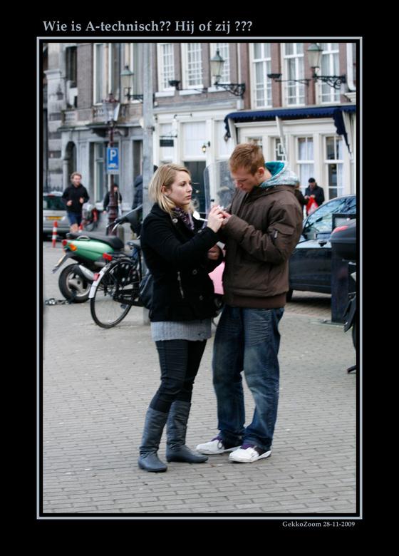 Wie is A technisch? Hij of zij? - Tijdens de Zoomdag Straatfotografie is stelletje gefotografeerd.<br />