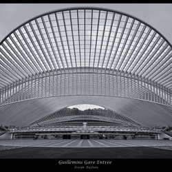 Guillemins Gare Entree