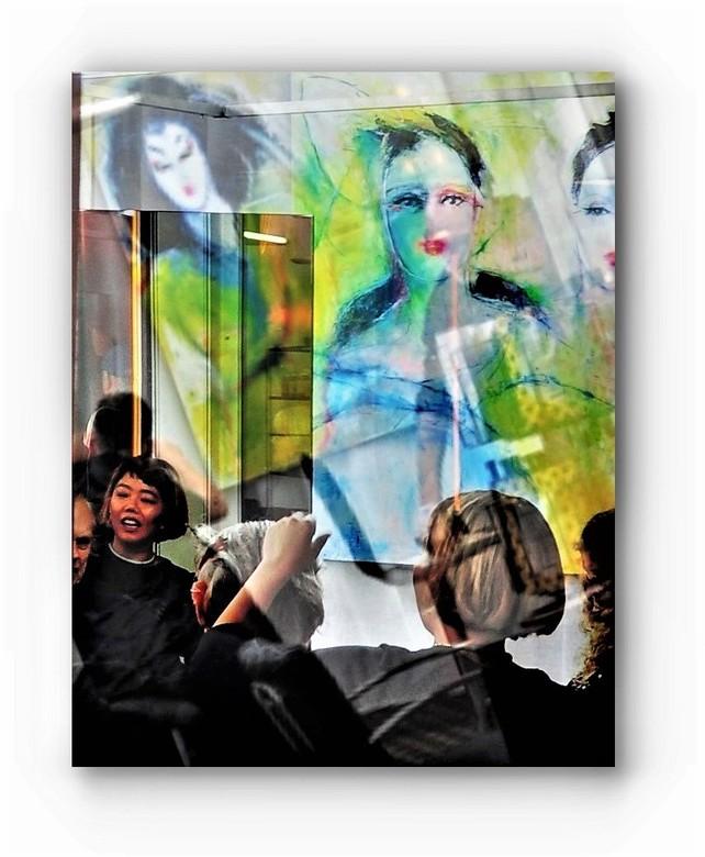 Wildgroei. . .  - . . .  aan kappers.<br /> <br /> Op CS Amsterdam met kunstobjecten van Hermione Vroom Italië