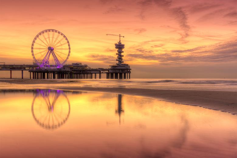 Zonsondergang bij de Pier in Scheveningen -