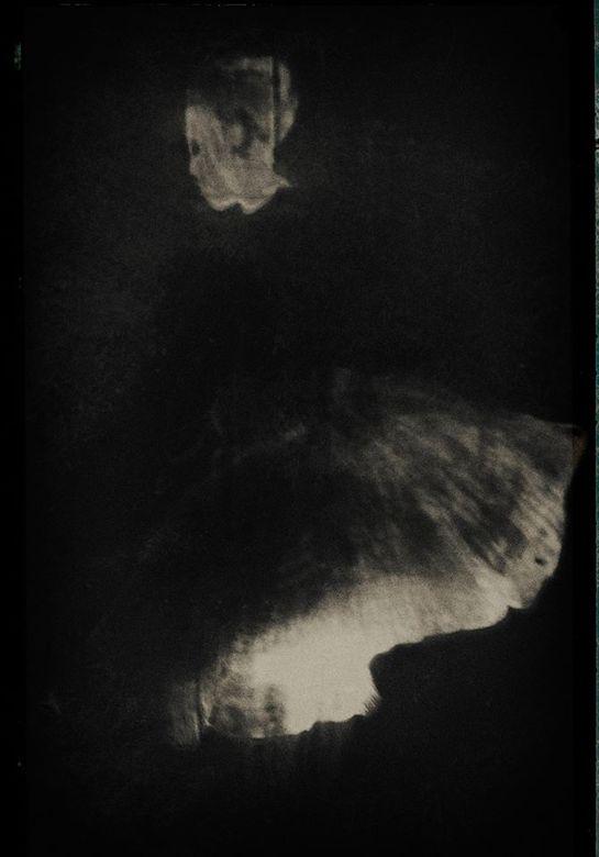 Ballerina (pinhole) - groot zien aub<br /> <br /> <br /> dank voor alle waarderingen.<br /> <br /> When I&#039;m alone<br /> I&#039;m alone<br /