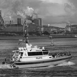 Loodsboot bij IJmuiden.