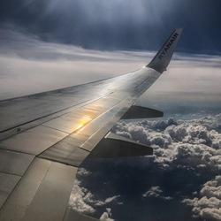 Prachtige zon weerkaatsing op de vleugel...