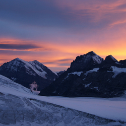 zonsondergang boven het Kanderfirn