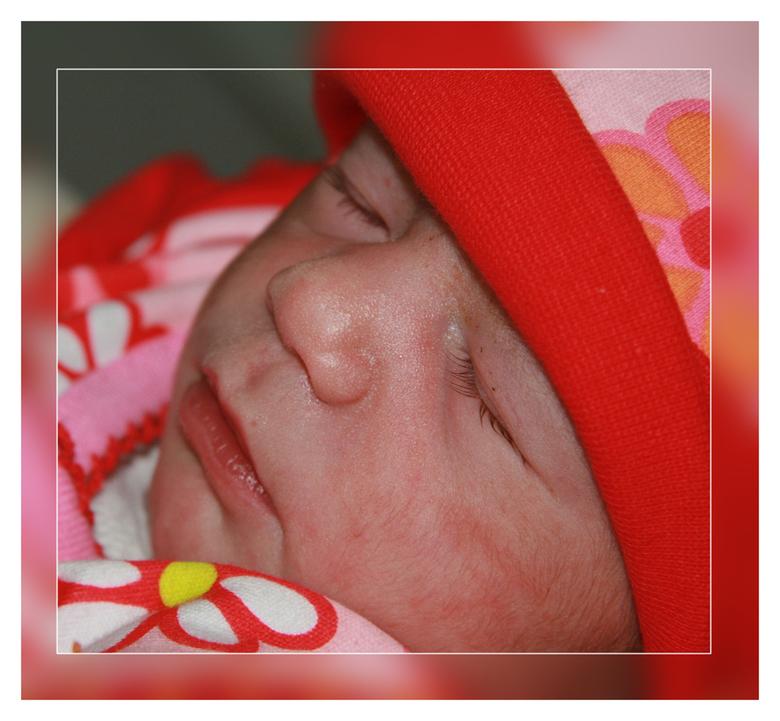 Sleeping Princess - Er werd me door de ouders van deze kleine meid gevraagd enkele foto's te maken, inmiddels is ze alweer 5 weken oud, maar op h