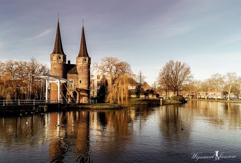 Oostpoort. 1 Beautiful Delft.  - De Oostpoort is de enig overgebleven stadspoort van de stad Delft, in de Nederlandse provincie Zuid-Holland. De poort