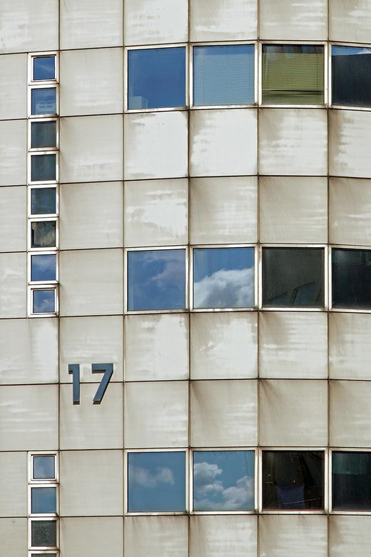 17 - Den Haag in de buurt van het Mondriaan College