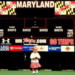 Kind in sport stadion