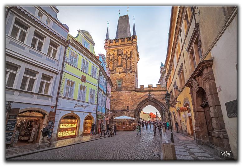 The Old Town Of Praag - De oude stad van Praag, een schitterende stad om eens rond te wandelen. Ongelooflijk een stad uit de middeleeuwen! Nu iets gem