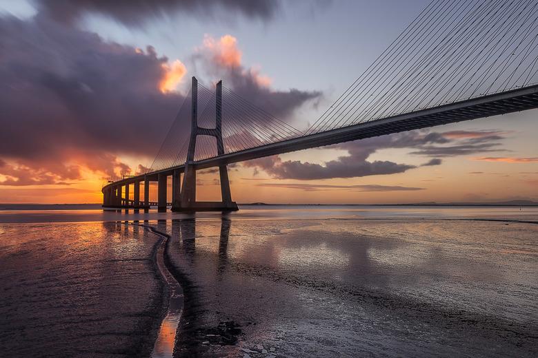 Great morning - Net terug uit Lissabon. Deze brug moest en zou ik fotograferen en gelukkig waren de omstandigheden geweldig!