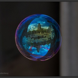 World in Bubbles: Dom van Utrecht