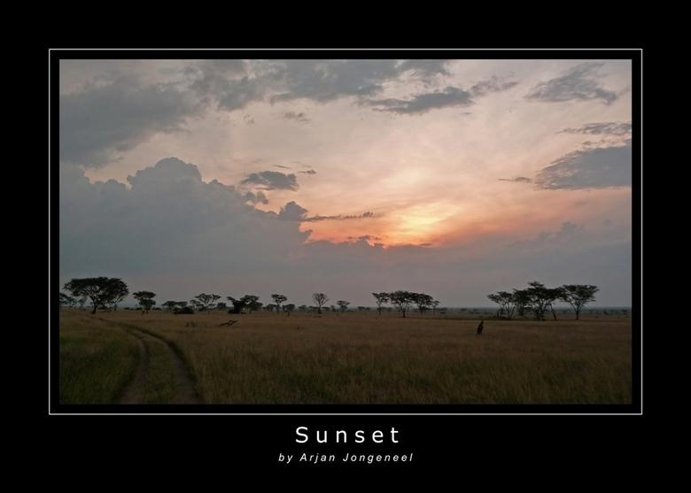 Zonsondergang - Een prachtige zonsondergang in Queen Elisabeth National Park in Oeganda. Heerlijk, na een game drive 's ochtends heel vroeg ook e