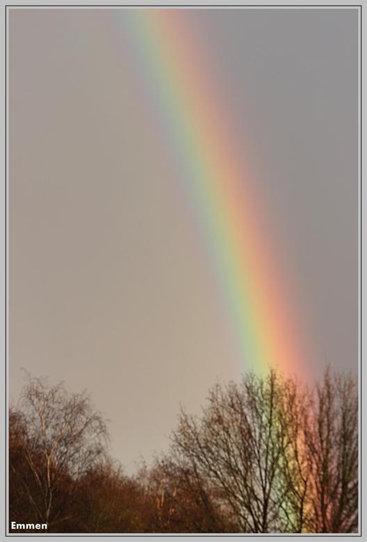 Regenboog - Regenboog<br /> nog even een foto plaatsen in 2011<br /> Deze opname is voor twee weken terug gemaakt.<br /> <br /> WENS JE EEN FIJNE