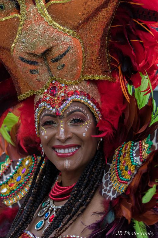 Zomercarnaval - Deze kleurrijke dame vast gelegd tijdens weer een super zomercarnaval editie in Rotterdam