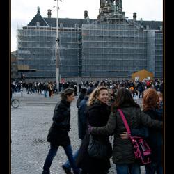 Dame kijkt naar verkeerde fotograaf