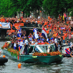 Huldiging Oranje in Amsterdam