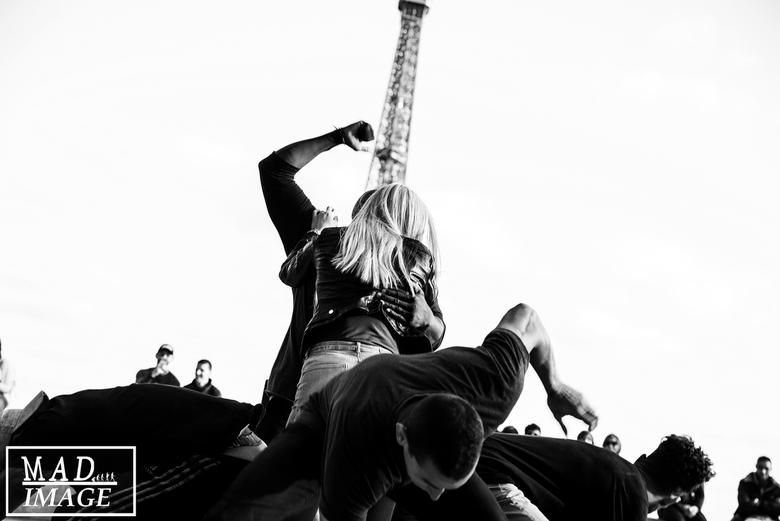 Eiffel dance -
