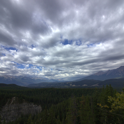 Canada langs Maligne Canyon wolkenlucht CS5