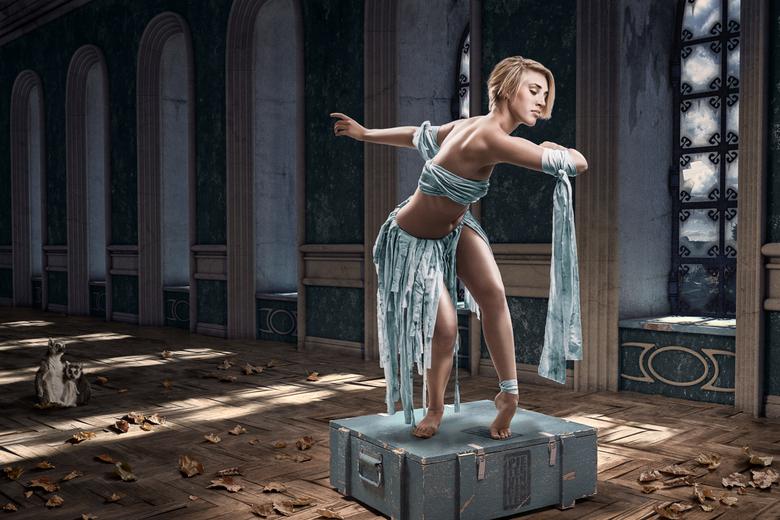 Kinds of Blue - Kinds of Blue<br /> <br /> Aranka ontmoette ik bij een masterclass mime, ze is een danser en het leuke van haar is dat je de meest p