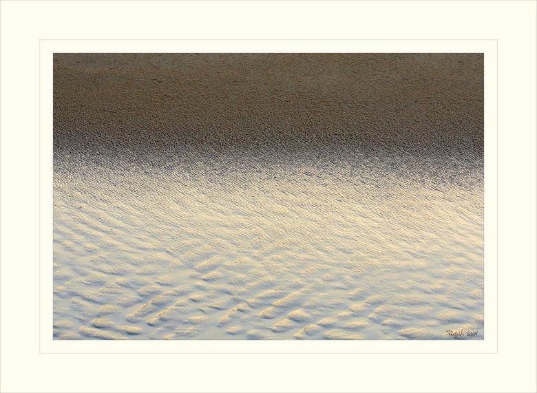 de wind speelt met zand 5 - Zie deze upload maar als een rode draad die door mijn gallery loopt....<br /> Van dit thema zullen er nog velen volgen wa