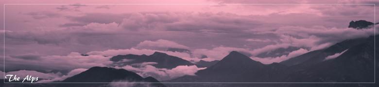 De alpen - Een ochtend dichtbij Grenoble. We zaten daar al hoger in de bergen en de wolken hingen laag.