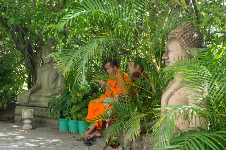 boeddhas seconderen monniken  -