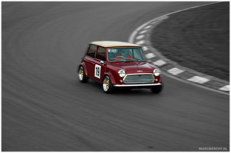 A Day at the Races II - Vandaag op verzoek van een vriendje wat foto's gemaakte op het circuit van Zandvoort.