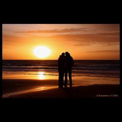 Romantisch stel op het strand