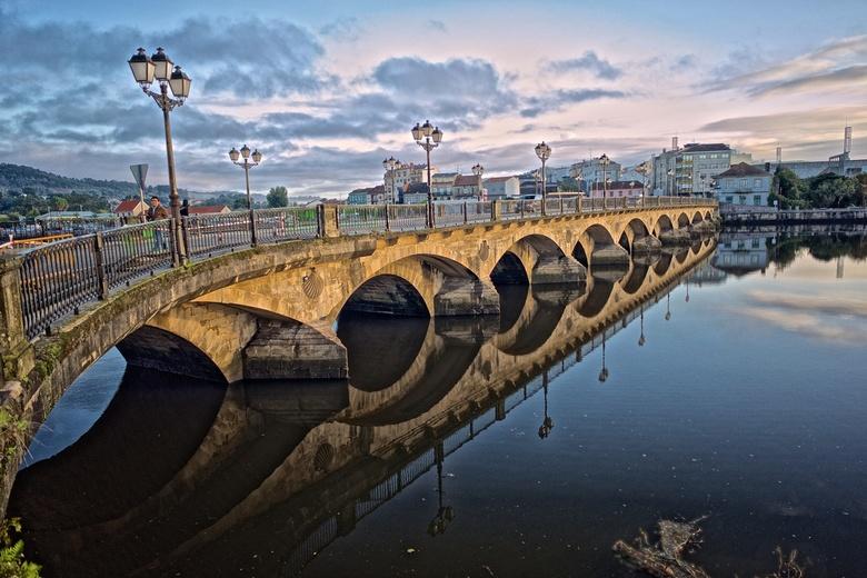 Pontevedra - De brug in Pontevedra op de Camino Portugués naar Santiago de Compostela.