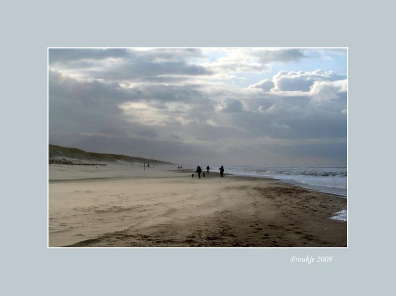 koud  - Gisteren naar Callantsoog aan het strand geweest ,het was zo koud ,was bijna niet te doen, foto&#039;s maken, maar doorzetten .<br /> Bedankt