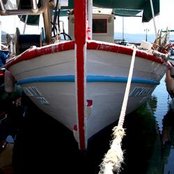 Vissersboot in de haven