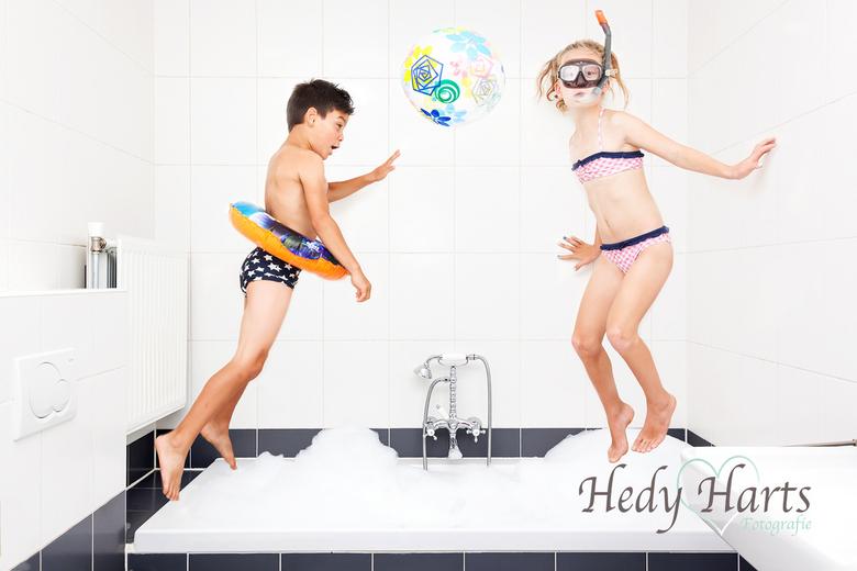 Badtijd - Ik was op zoek naar ideeën voor leuke en gekke kinderfoto&#039;s. <br /> Bij deze foto werd ik geïnspireerd door Jason Lee. Dit is een foto