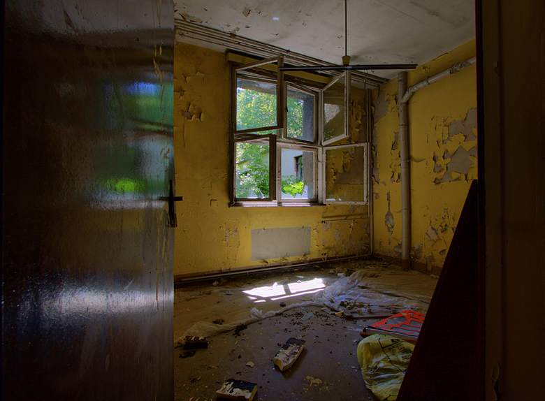 Kinderkrankenhaus 6 - Op 20-6-2009 hebben Jos,Ewout en ik ook een bezoek gebracht aan dit kinderziekenhuis.<br /> <br /> Hier nog wat info:<br /> D