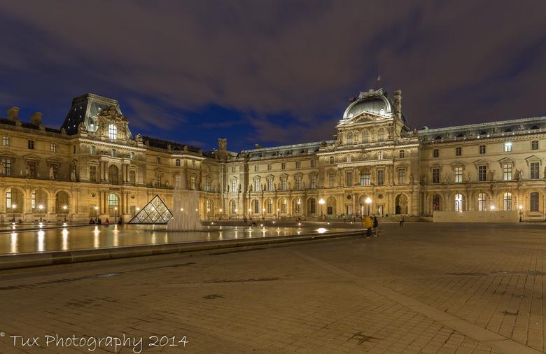 Paris - Musée du Louvre - Ook deze foto is van mijn weekendje weg met mijn vader in Parijs. Ik vond het fijn om te lezen dat een aantal mensen het zo