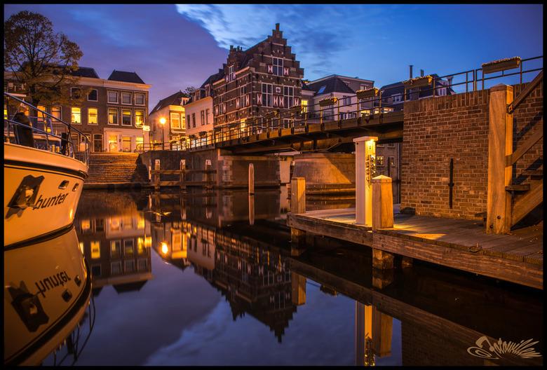 Lingehaven,.........Gorinchem - De Gorcumse Lingehaven,tijdens het blauwe uurtje !!!