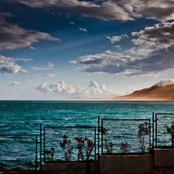 Zon, zee en bergen