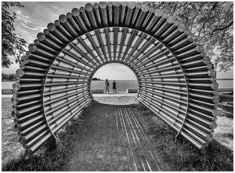 Tunnelview in BW -