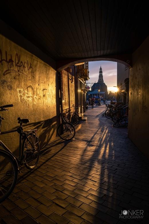 Het koude gat - Het koude gat wordt verwarmd door de zonsondergang. Gemaakt in Groningen