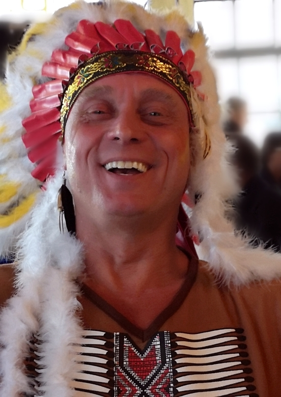 Vrijgezelfeest-indiaan - Voor een vrijgezellen feest van onze vriend hebben wij hem aangekleed als indiaan en meegenomen voor een avondje uit in Haarl