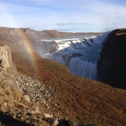Gulfoss waterval met regenboog, in het zuidelijk deel van IJsland