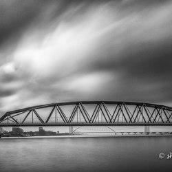 Spoorbrug Nijmegen (b&w)
