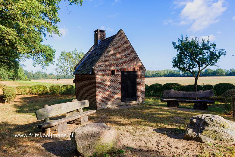 Bakkershuisje bij kasteel Tongelaar in Mill - 20200822 8016 Bakkershuisje bij kasteel Tongelaar in Mill