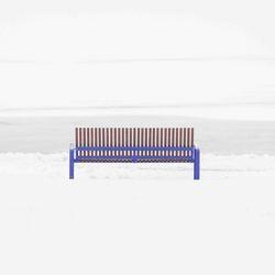Blauwe bank in sneeuw