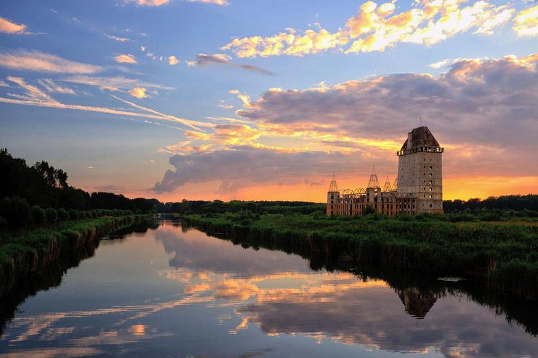 zonsondergang bij kasteel Almere - zonsondergang bij kasteel Almere