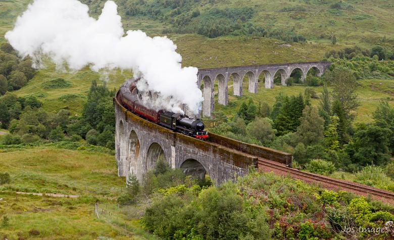 Jacobite steam train - En als je in de buurt bent moet je natuurlijk deze Express op de foto zetten.<br /> Groet,<br /> Jos